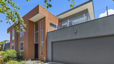 Photo for Premium Townhouse - Central Torquay - Air Con T1179