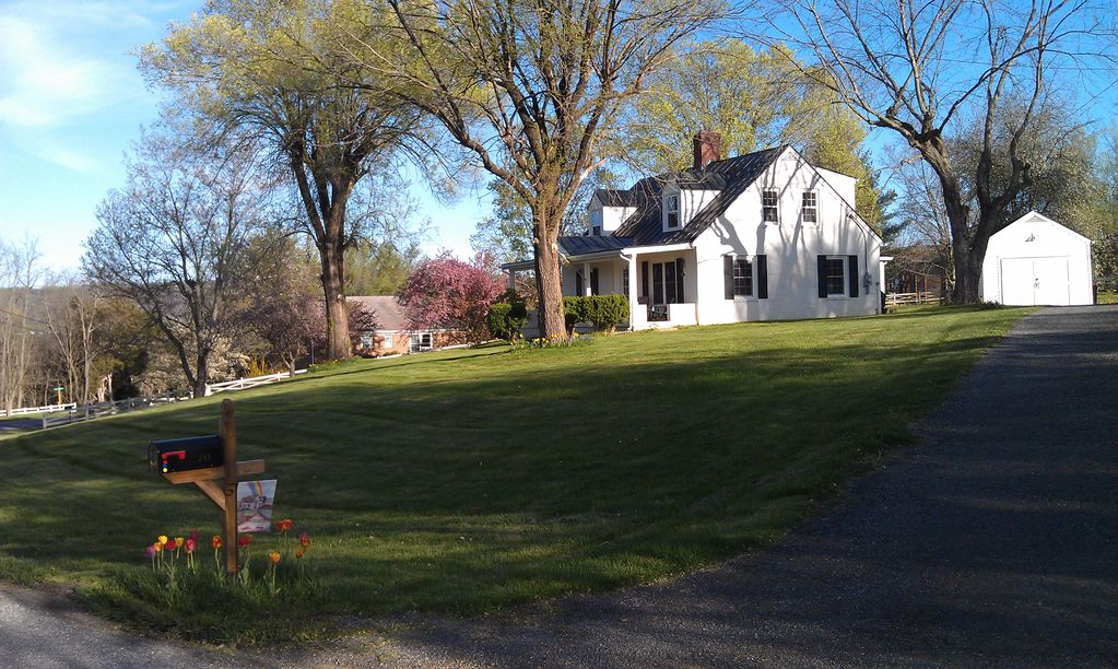 Carol S Cottage 3 Miles From W L And Vmi Walking Distance To Va Horse Center