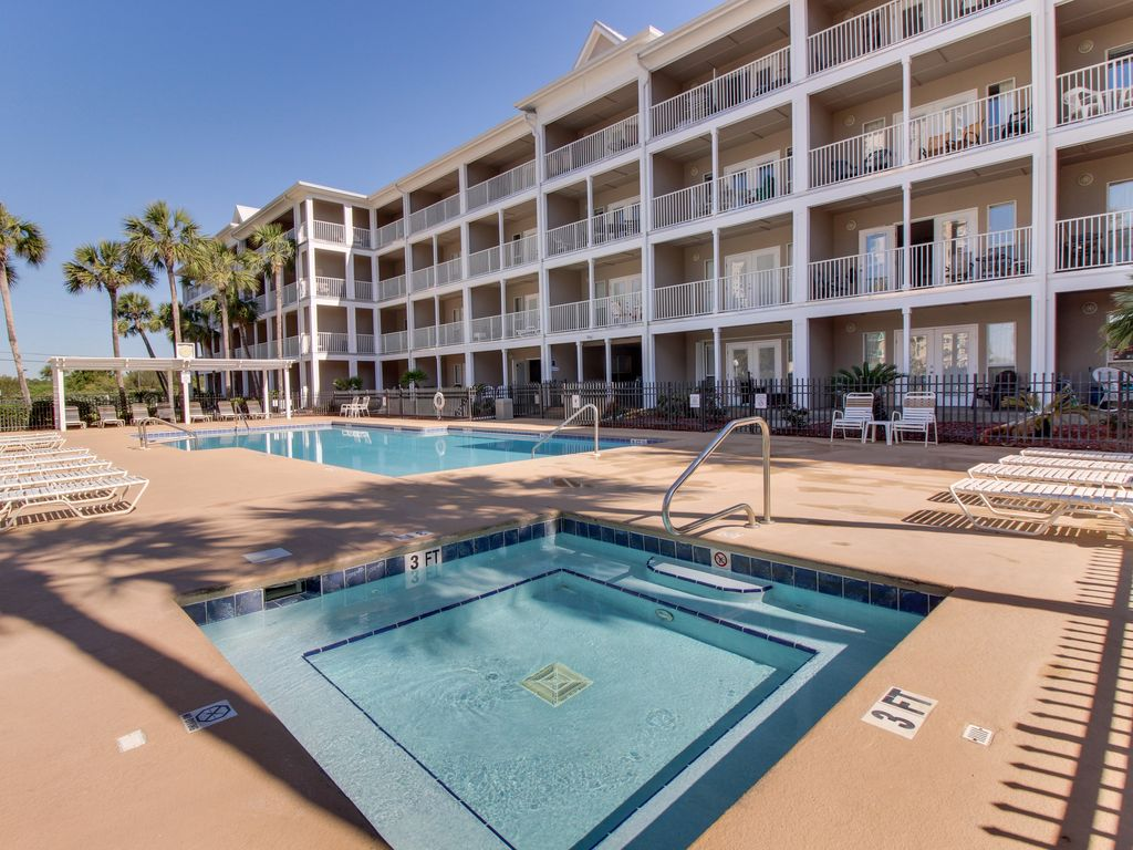 Property Image#25 Oceanview Condo With Shared Pool Only A Few Moments Away  From The