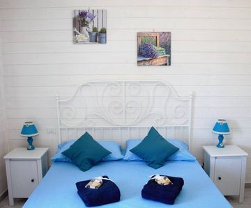 Photo for THE FRAGRANCE OF NATURE Bed and Breakfast Mint Room