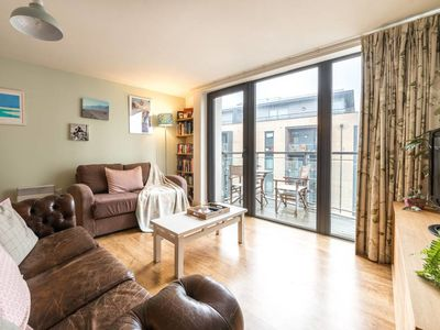 Photo for Beautiful 1Bed w/Private Balcony by Regent's Canal