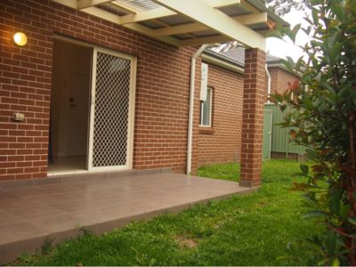 Photo for Beautiful leafy home, just 20 min to the Airport and City