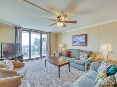 Photo for Oceanfront condo w/ ocean view, shared pool/hot tub & nearby beach access!
