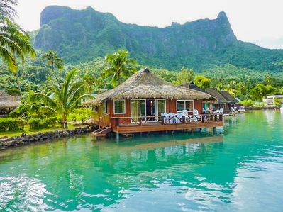 Beautiful 2 br overwater bungalow!