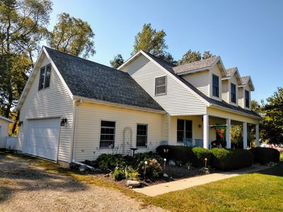 Photo for Welcome to Lake Ridge Cottage in beautiful South Haven, MI!