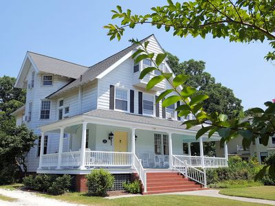 Photo for BayPlace-Exquisite Historic Home,new furnishings, fully equipped Kitchen,7 Bdrms