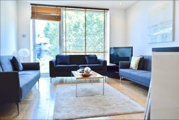 Photo for Stunning 1 Bedroom Property in Central London