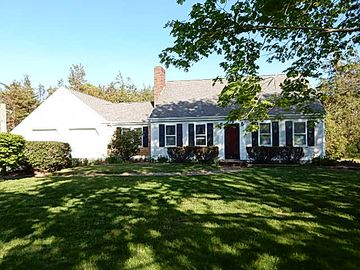 Classic Three Bedroom Cape With In ground Pool, pet friendly