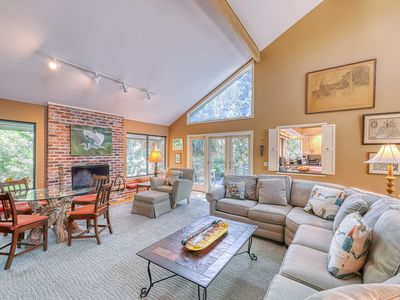 Photo for Lovely house w/ a gourmet kitchen, screened porch, & open deck