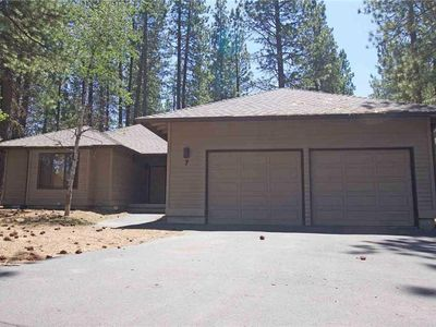 Photo for Spacious Pet home, near Fort Rock Park in the heart of Sunriver! Free SHARC Pass