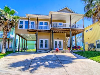 Photo for Seaside Paradise – Upstairs Unit - 3BR/2BA – Great deck! Close to beach and pool