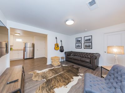 Photo for Country, Music Lovin' 5 bedroom in Downtown
