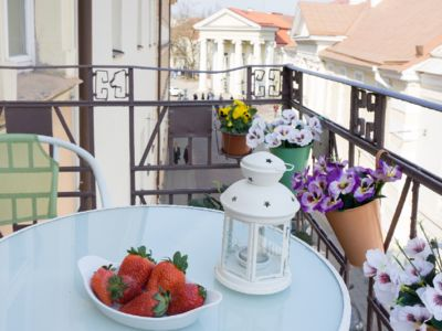 Photo for Cozy and beautiful Old Town Apartment 2br/2baths