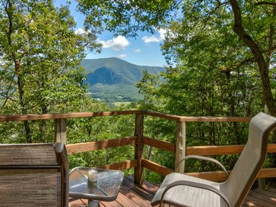 Photo for Intimate dog-friendly cabin w/ private hot tub. Close to Great Smoky Mtns!