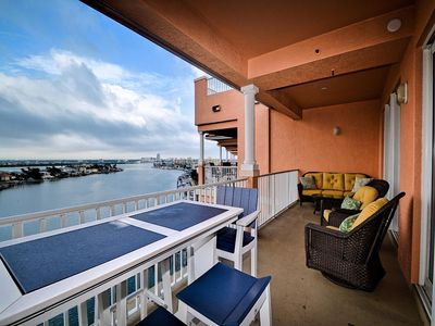 Harborview Grande 800 Luxury 8th Floor Condo with Stunning Harbor Views