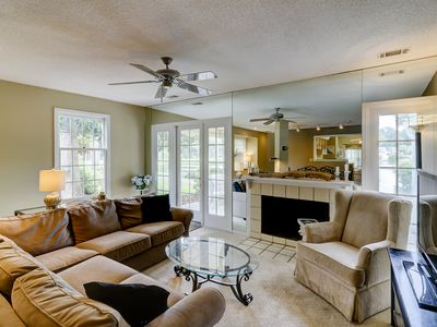 Photo for Beautiful townhome with lagoon views!