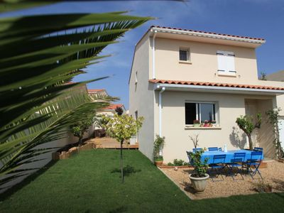 Photo for House with pool near Beaches, Montpellier, Lake