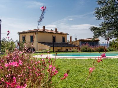 Photo for 4BR Villa Vacation Rental in sinalunga, Toscana