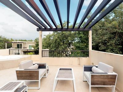 Photo for Large condo w/ shared pool, private hot tub, balcony & back patio