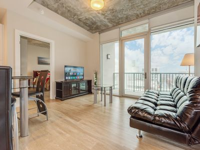 Stay Now and Save! Apartment Near The Capitol   A/C, Gym, BBQ Area, Netflix!