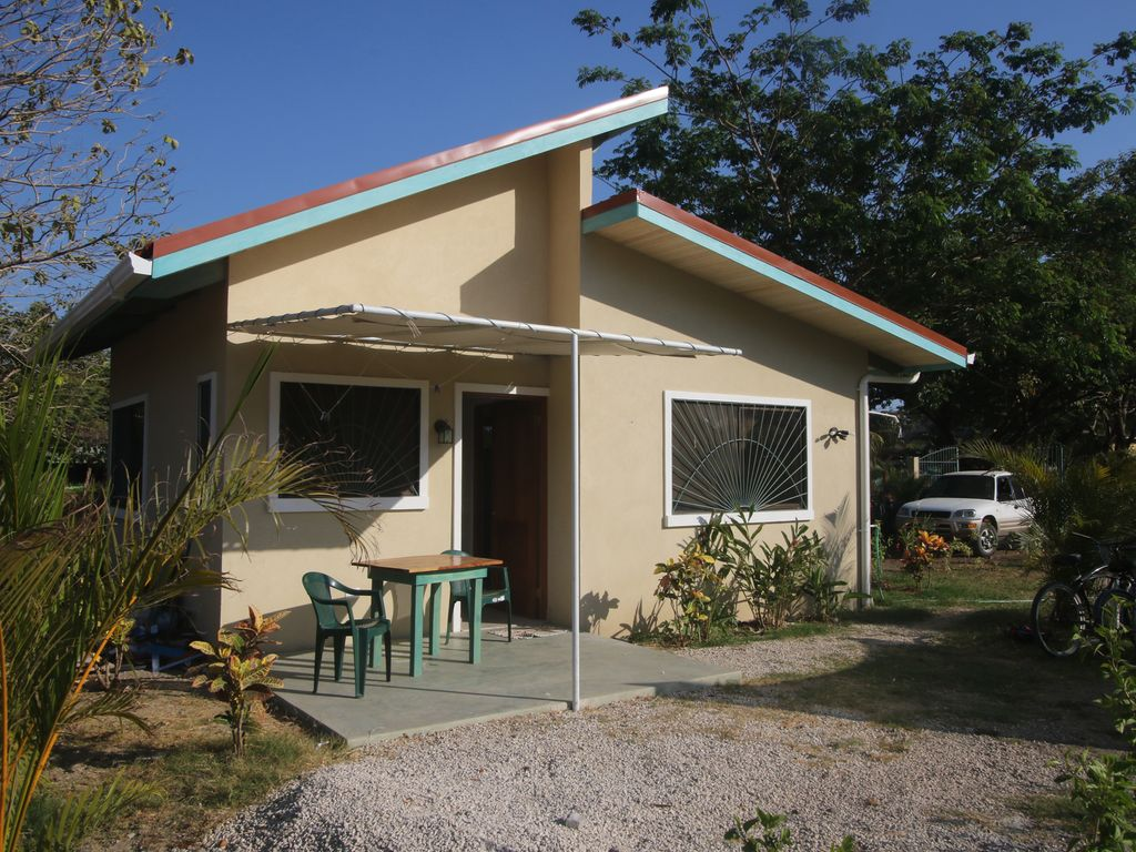 La casa bonita pequena and pool one bedroom cottage fully for Casetas pequenas