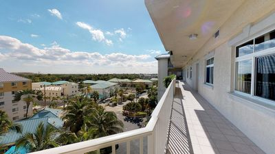 Photo for 3BR Condo Vacation Rental in George Town, Gran Cayman