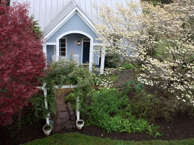 Lovely Garden Cottage In Horse Country Near The Blue Ridge