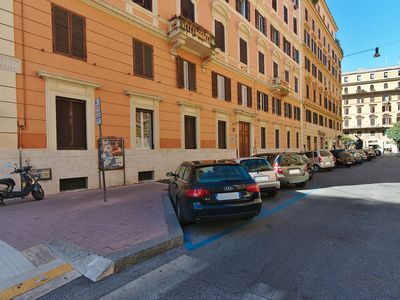 Photo for 3 BEDROOMS 2 BATHROOMS APT.  6 GUESTS FOR FEW IN THE CENTER OF ROME