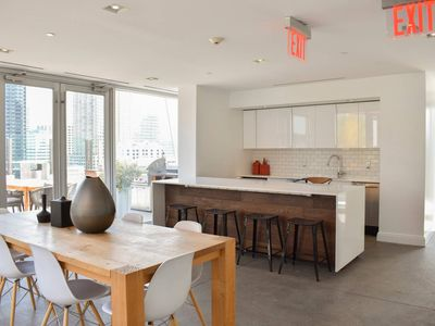 Photo for Luxurious 1 Bedroom Suite mins from NYC