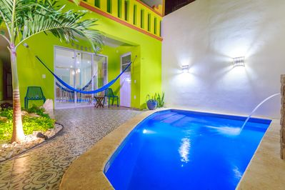 Message for Summer Specials, Downtown Condo with a Pool, Steps from  Everything - Centro - Supmza. 001