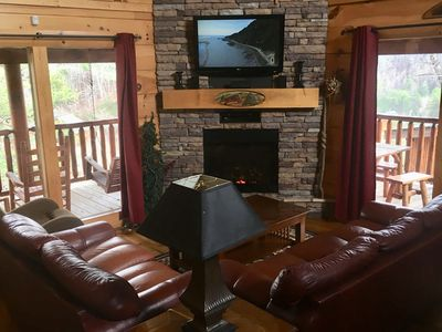 Photo for Twin Beds in Loft, Memory Foam Kings,HIgh Speed Wifi, leather couch, recliner