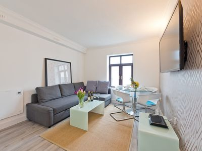 Photo for Claredon Hall - One Bedroom Apartment, Sleeps 4