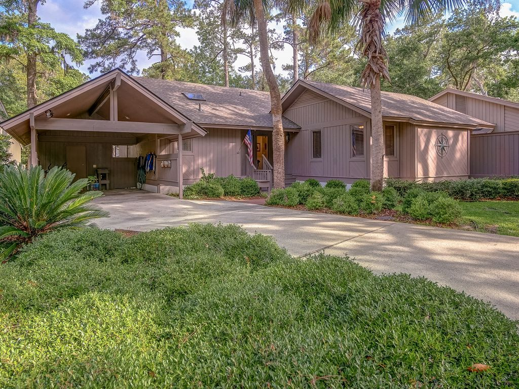 Beautiful Pet Friendly Sea Pines Home Free Bikes Pool Access Walk To Beach