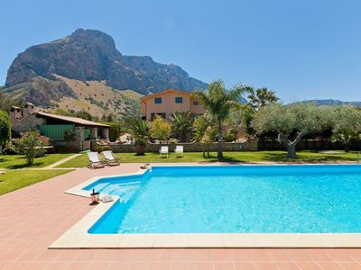 Photo for Elegant villa just 3 km from the sea with private pool, surrounded by greenery!