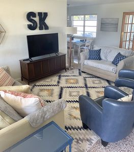 Photo for The Happy Habitat, in the heart of Sarasota, mins to SK, shopping, restaurants.