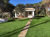 Neat and cute Villino Vita has a pretty garden and is in a great location for a restful holiday