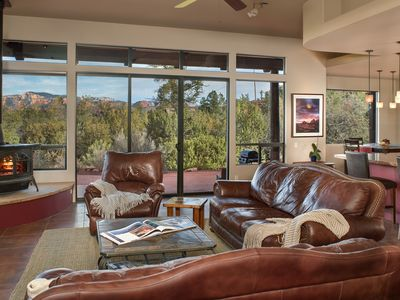 Photo for Walls of Glass & Casual Class Privacy Panoramic Views Hot Tub Trails