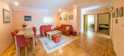 Photo for 3 bedroom apartment 100m from the Old Town