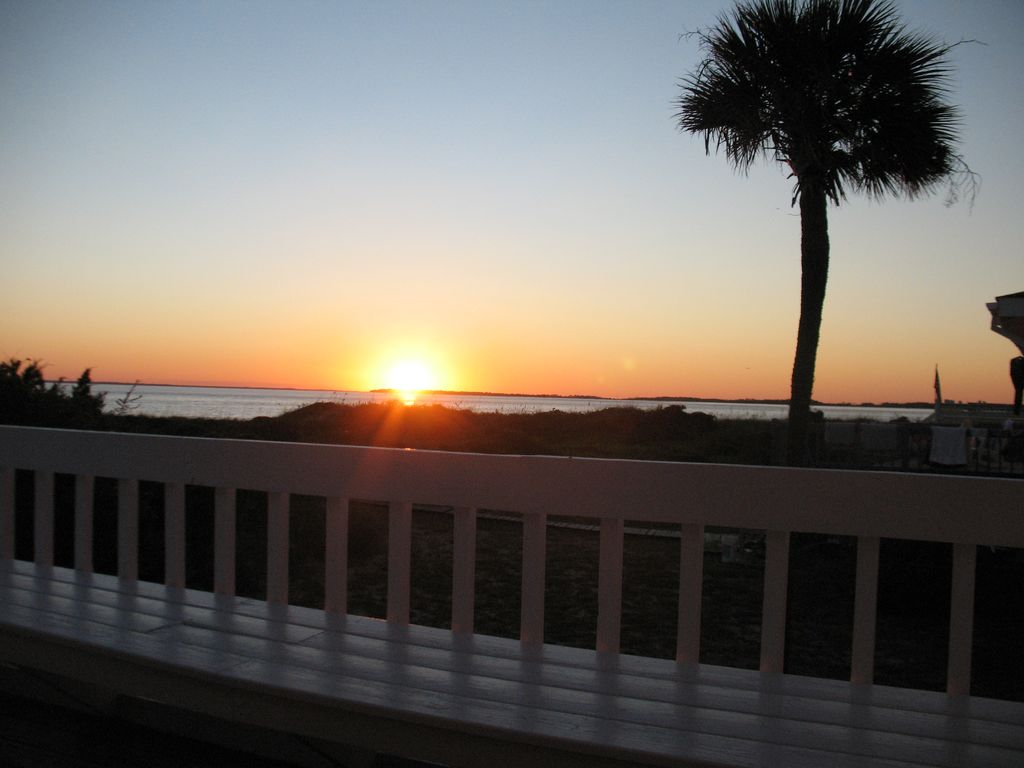 edisto island buddhist personals Edisto island  vacation rentals in edisto beach, sc  2 singles and 1 daybed with trundle beautifully decorated and a very short walk to the beach.