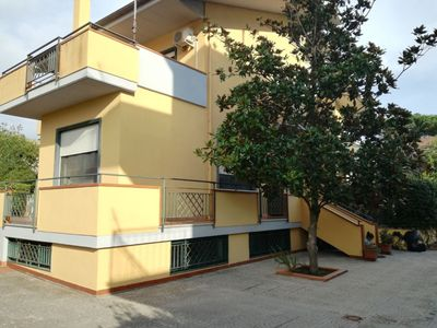 Photo for Semi-detached villa in Marina di Minturno a few steps from the sea.