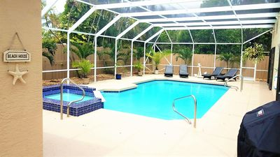 Huge Pool for the Family to Enjoy! Hot Tub for Mom & Dad to Chill :)