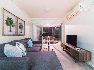 Photo for Absolute Riverfront One Bedroom Apartment