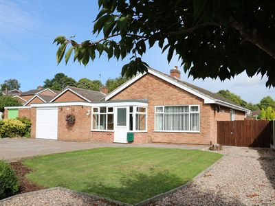 Photo for LYNSTED LODGE, pet friendly in Ashby-De-La-Zouch, Ref 977261