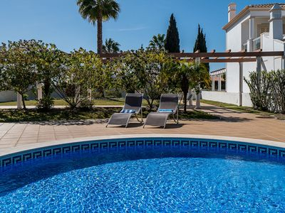 Photo for Modern house with pool, 600 m from the beach