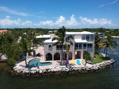 Private Point with unobstructed views of the Ocean. Surrounded by water!