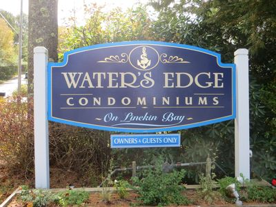 Enter and Welcome to Water's Edge !