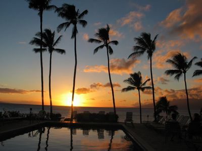 Photo for MAUI ~ Ocean Front, Lounging Turtles, Lovely Sunsets!