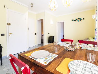 Photo for Charming 2 bedrooms flat in the center of the old town of Antibes