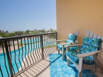 UNIT 305! OPEN 3/10-17 NOW ONLY $1199 TOTAL! BEAUTIFUL VIEWS OF GULF & POOL!
