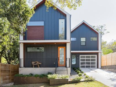 Photo for Vibrant and Artistic Central East Austin Home